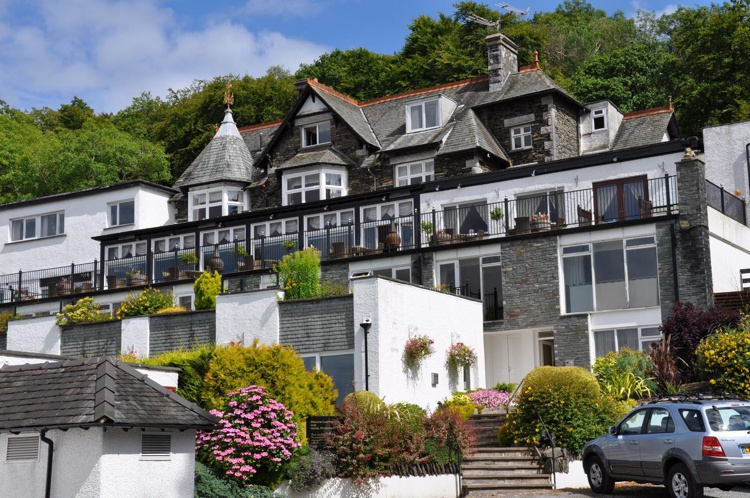 Windermere hotels accommodation in the lake district for Windermere hotels with swimming pools