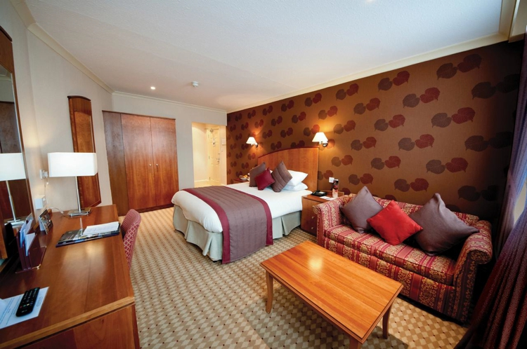 The Crown & Mitre Hotel Room