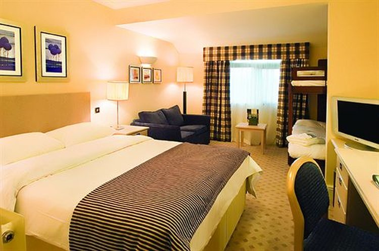 North Lakes Hotel and Spa Hotel Room