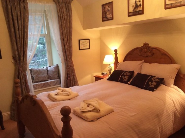 Storrs Gate House Hotel Room