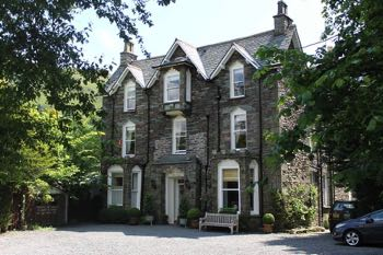 The Grasmere Hotel Outside